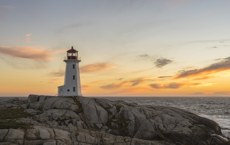 16 Incredible Lighthouses Around The World
