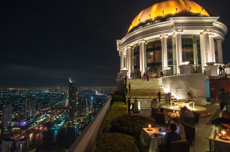 "<a href=""https://www.flickr.com/photos/chleong/11384326264/"" rel=""noopener"" target=""_blank"">The famous dome of the Sky Bar at Lebua hotel, Silom"