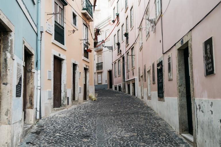 Watson - Portugal - Lisbon - Beco das Farinhas, Mouraria