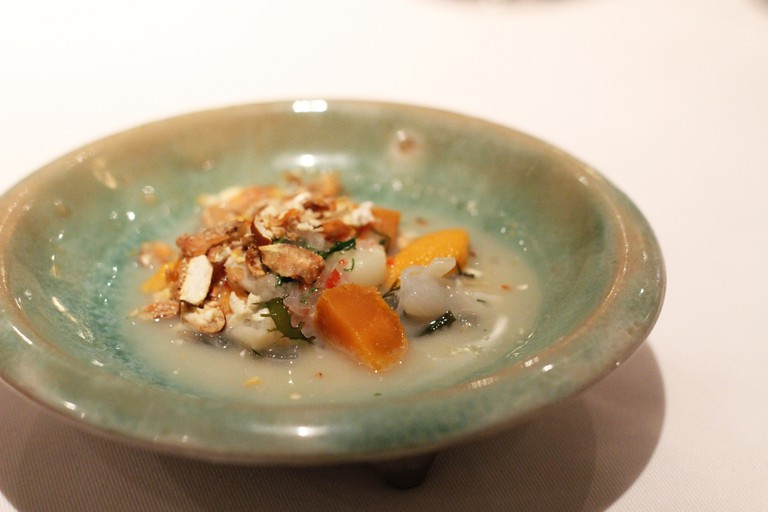 Cebiche carretilla with silverside, clam, sea snail and urchin, at Astrid y Gaston, Lima © Heather Sperling / Flickr