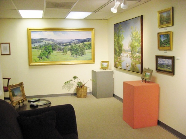 IMG_2644 gallery interior 1 (640x480)