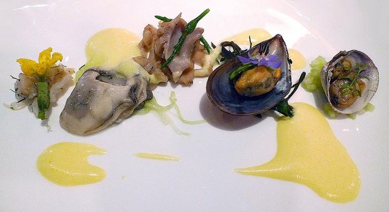 Mélange of shellfish from the Salish Sea   © Arnold Gatilao/Flickr