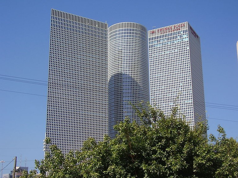 Azrieli Towers - @Dr. Avishai Teicher Pikiwiki Israel/WikiCommons