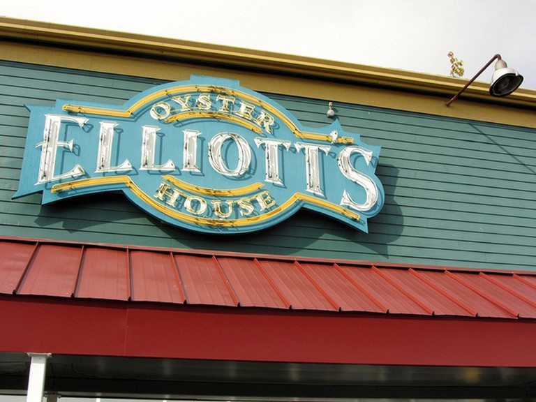 Elliott's Oyster House | © Richie Diesterheft/Flickr