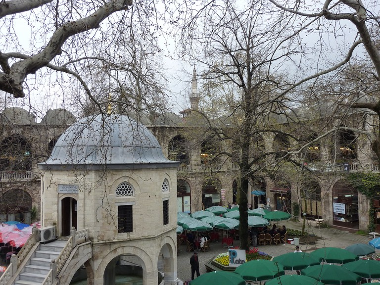Bursa Koza Han (Silk Bazaar) | © Adbar/WikiCommons