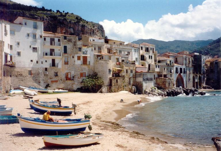 Cefalú beach/©F l a n k e r/wikicommons