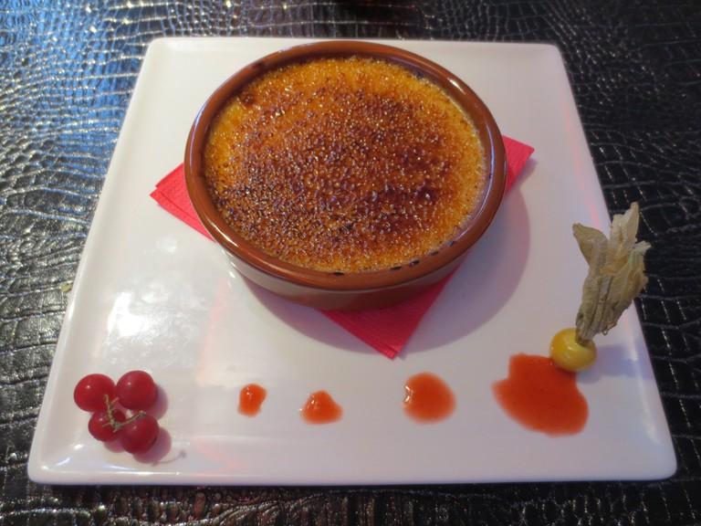Crème_brûlée [ © Arnaud 25/Wikimedia ]