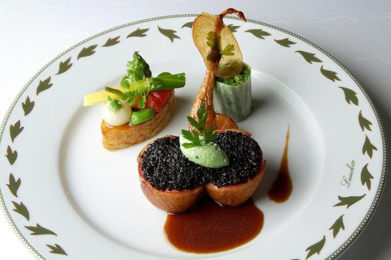 Cuisine 3 etoiles de Jacques Lameloise   © Jacques Lameloise/WikiCommons