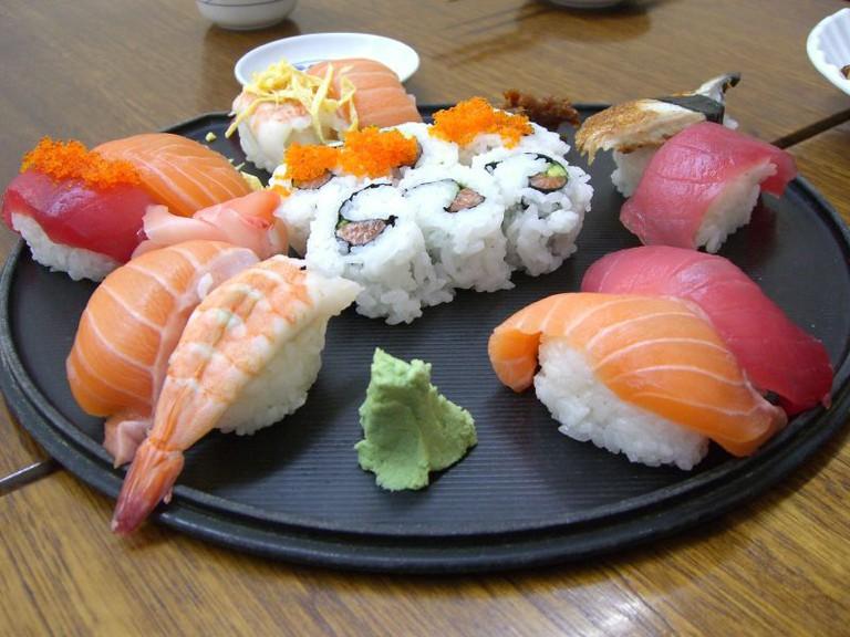 Deluxe Sushi Platter