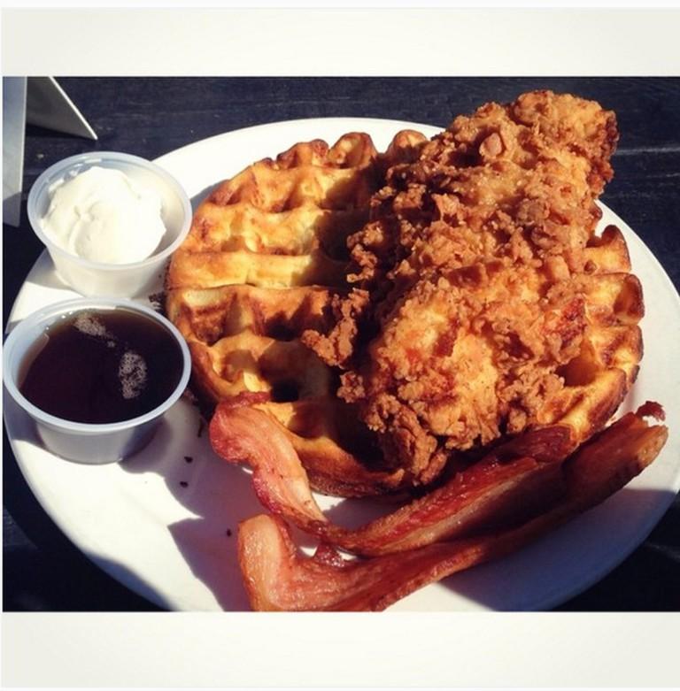 Chicken and Waffles | © texasfoodgawker