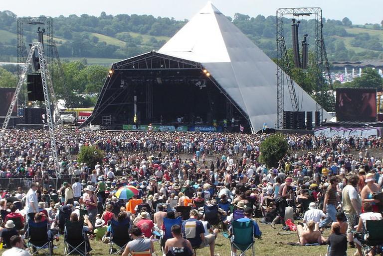 Glastonbury Pyramid Stage | © Paul Holloway/WikiCommons