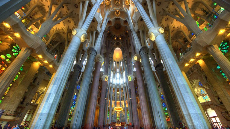 Inside Sagrada Familia|© Claude Attard/Flickr