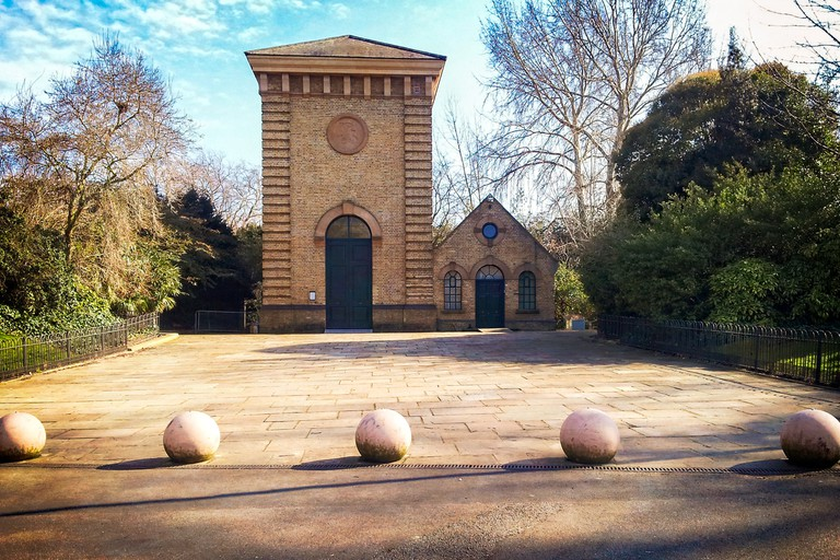 Pump House Gallery, Battersea Park | © Garry Knight / WikiCommons