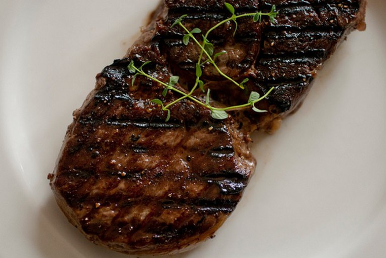Steak |© WithWind/ Flickr
