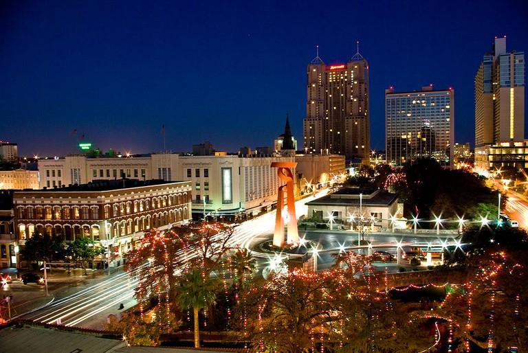 Downtown San Antonio | © Magicknight94/WikiCommons