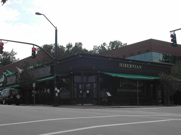 Hibernian Pub | © Ted Buckner/Flickr