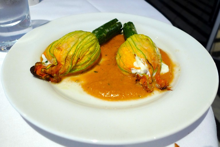 stuffed courgette flowers © Ewan Munro/Flickr