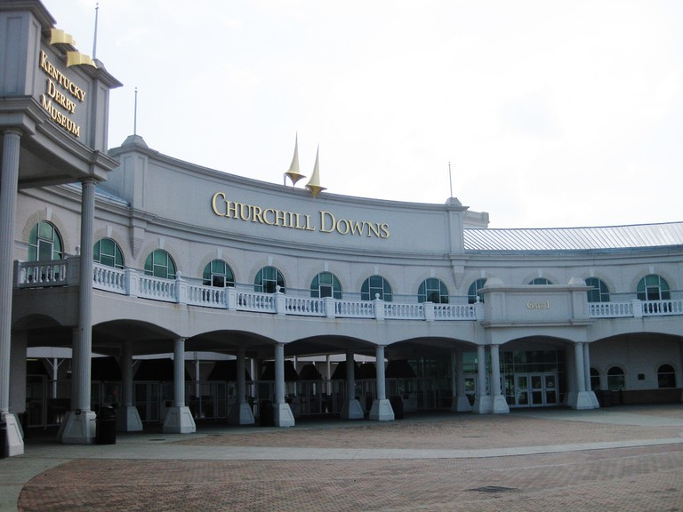 Churchill Downs Entrance © Lisa Andres/Flickr