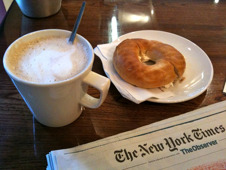 Bagel & coffee | © Magnus D/Flickr