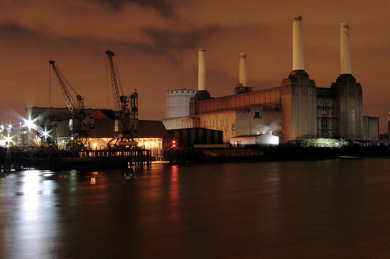 Battersea Power Station at Night | © CGP Grey / Flickr