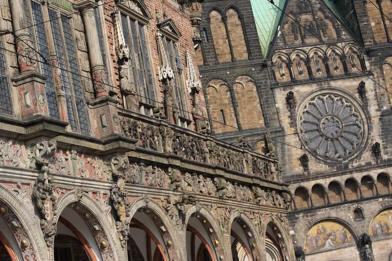 Rathaus & St. Petri Dom, Bremen, Germany © yeowatzup/Flickr