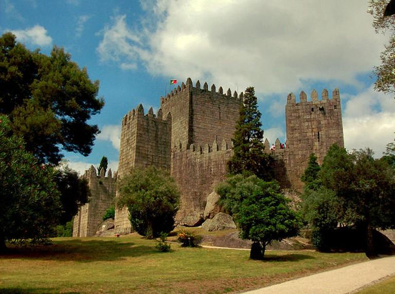 Guimaraes Castle| ©Marco Aldeia/Wikipedia