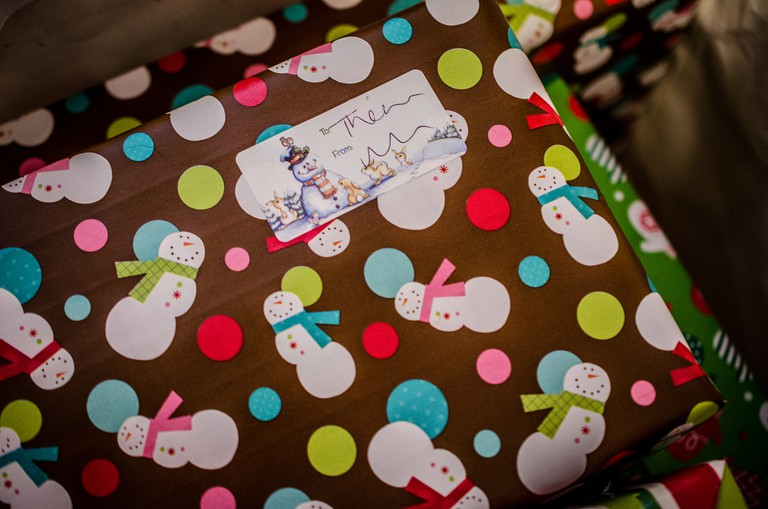 Wrapped Christmas Gifts | © m01229/Flickr