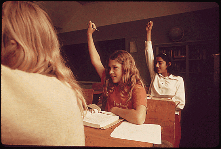 Students in a Classroom in Leakey, 1973 | © Marc St. Gil- Environmental Protection Agency/ Wikimedia Commons