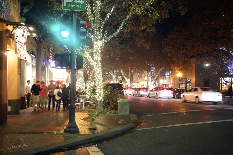 Palo Alto's downtown is small and quaint, but not sleepy. | © Kristen Stipanov