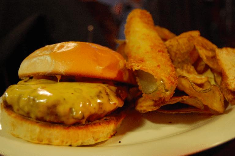Cheeseburger|©Stu Spivack