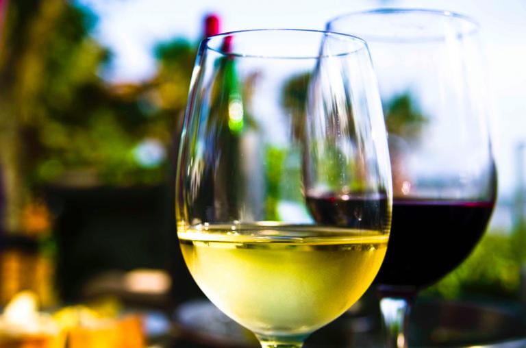 Wine at Saltus ©Ken Hawkins
