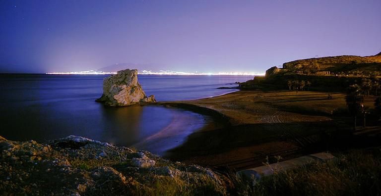 Playa del peñon nocturna