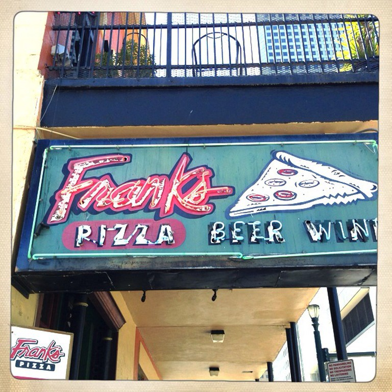 Frank's Pizza Sign | © Urban Houstonian/Flickr