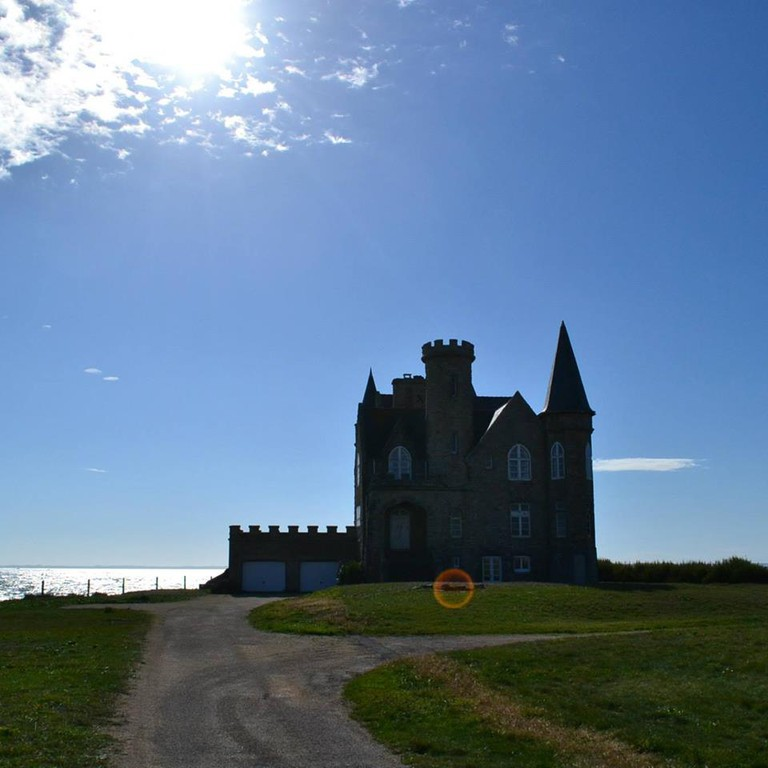 Château Turpault on Brittany's Cotê Sauvage | © Hristos Fleturis