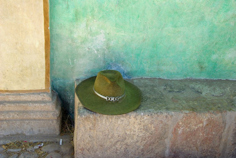 Green hat | © Procsilas Moscas/Flickr