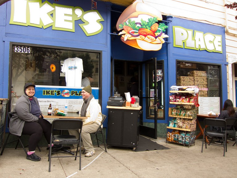 Ike's Place | © Charles Haynes/Flickr