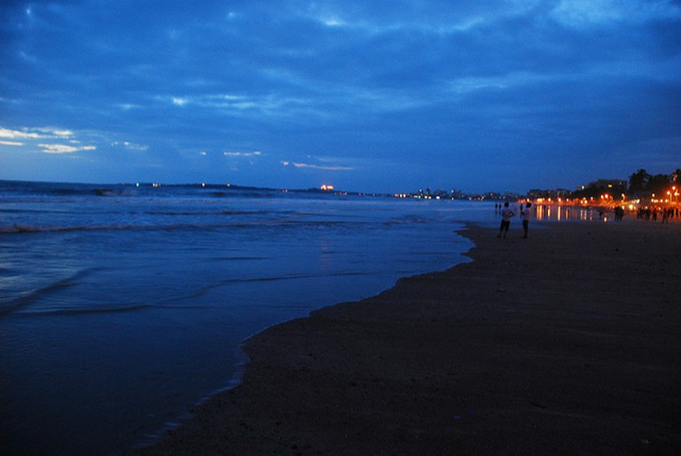 Evening-time, Juhu Beach. © Michael Kohli/Flickr