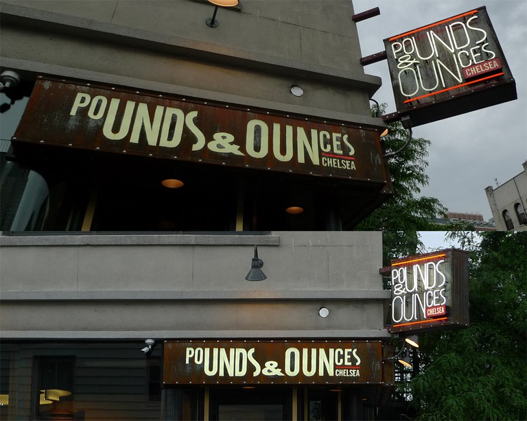 pounds and ounces bar | © aolin/Flickr