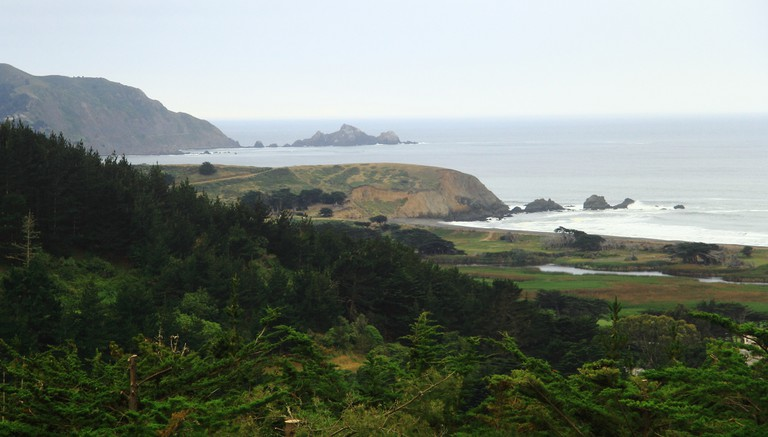 Pacifica's Mori Point & San Pedro Rock | © John Menard/Flickr