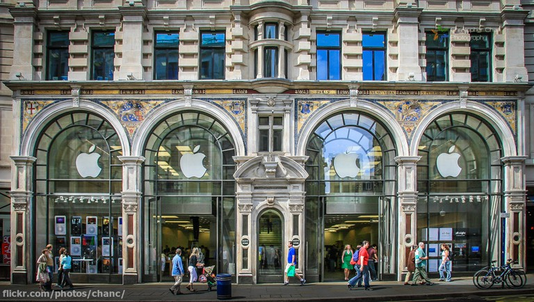 Apple Shop, Regent Street, London | ©Christopher Chan/Flickr
