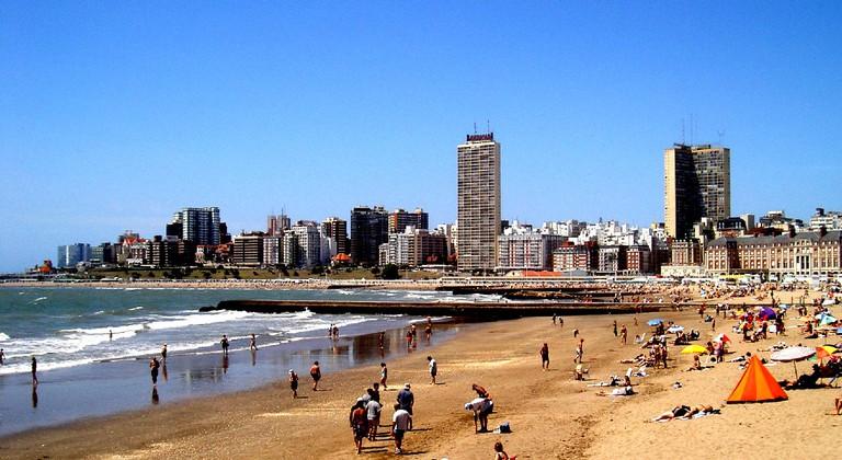 Argentina's popular beach, Mar del Plata | © Erik Stattin/WikiCommons