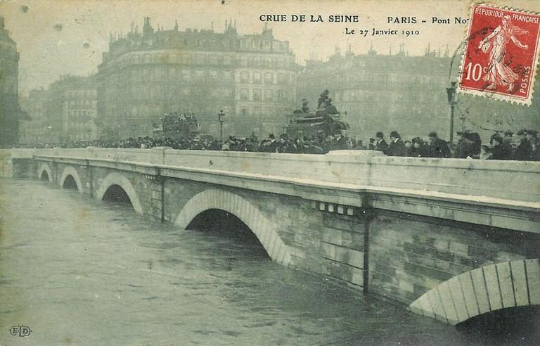 Crue de la Seine à Paris en 1910. WikiCommons.