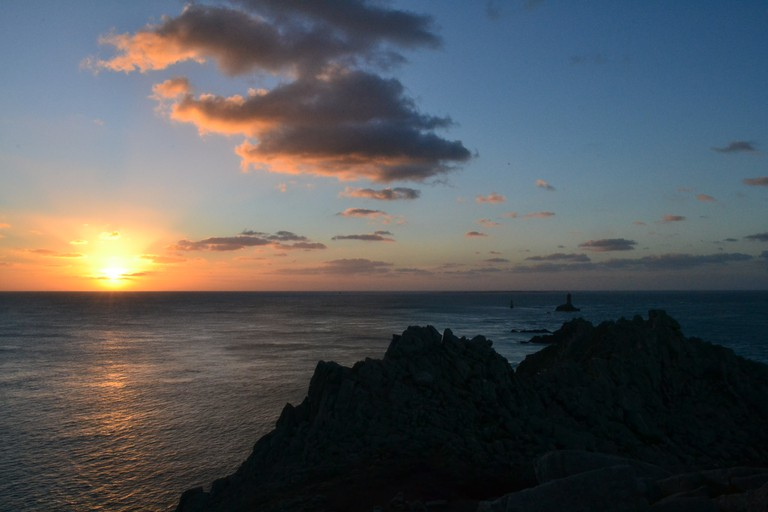 Sunset approaches at Pointe du Raz |© Hristos Fleturis