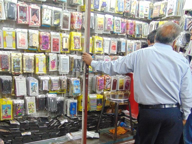 Mobile accessories shops in Hong-Kong lane| © Gaurav Lele