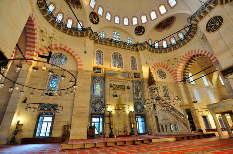 Beautiful interior design of Süleymaniye Mosque. © Serhat Engul