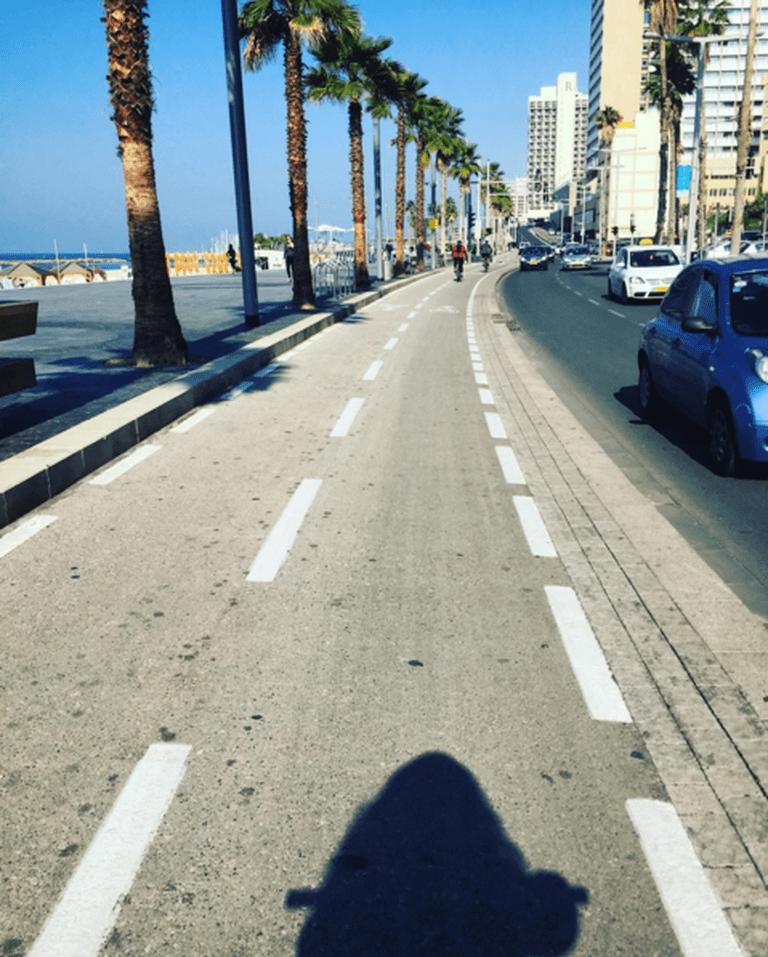 Biking in Tel Aviv | © Salome Chemla / Instagram