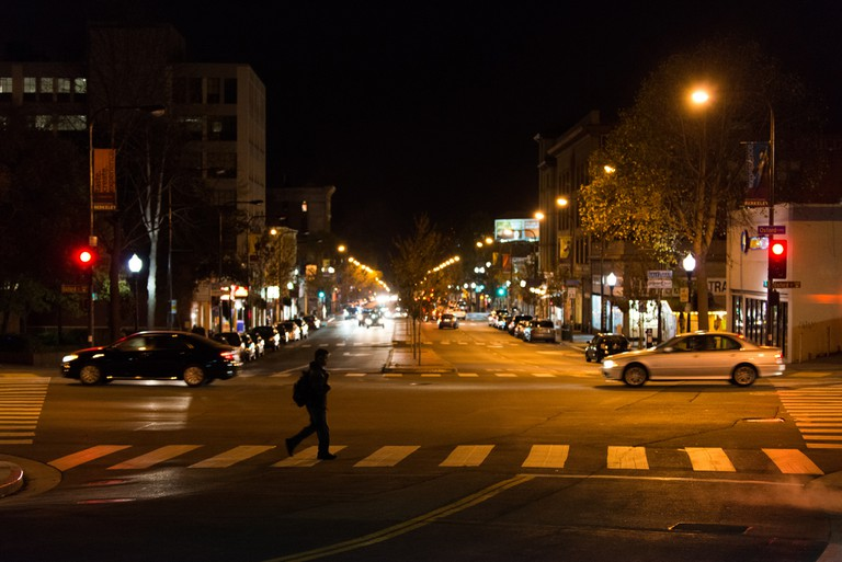 University Ave & Oxford St at night © D Coetzee/Flickr
