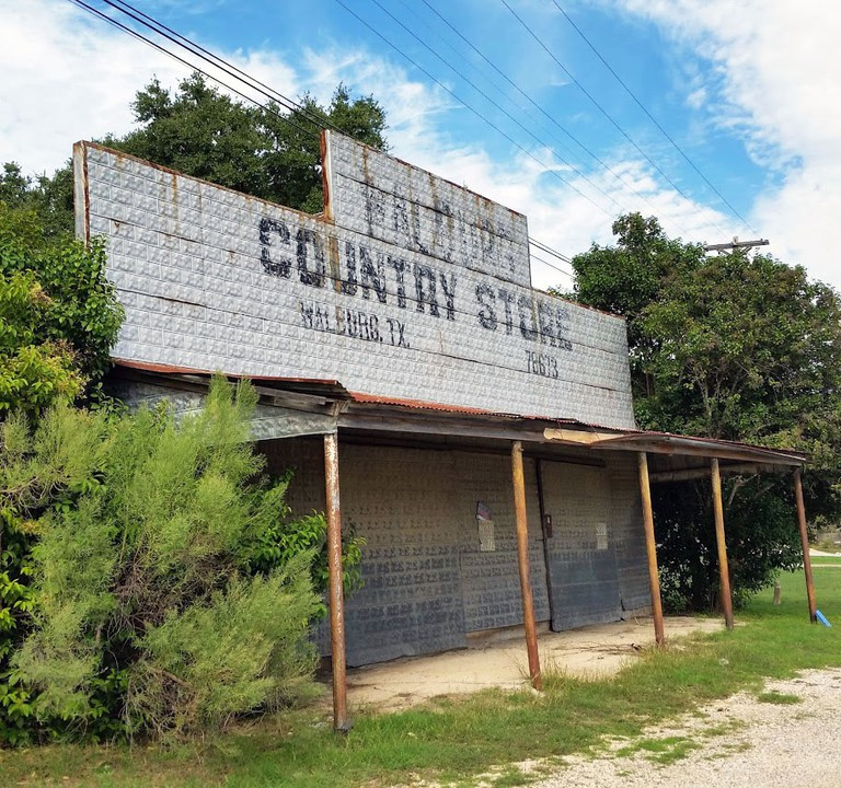 Walburg Country Store | © Stacey Pumo