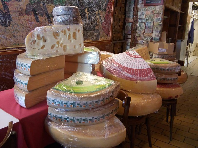 Cheese for fondue | Courtesy of Refuge des Fondus