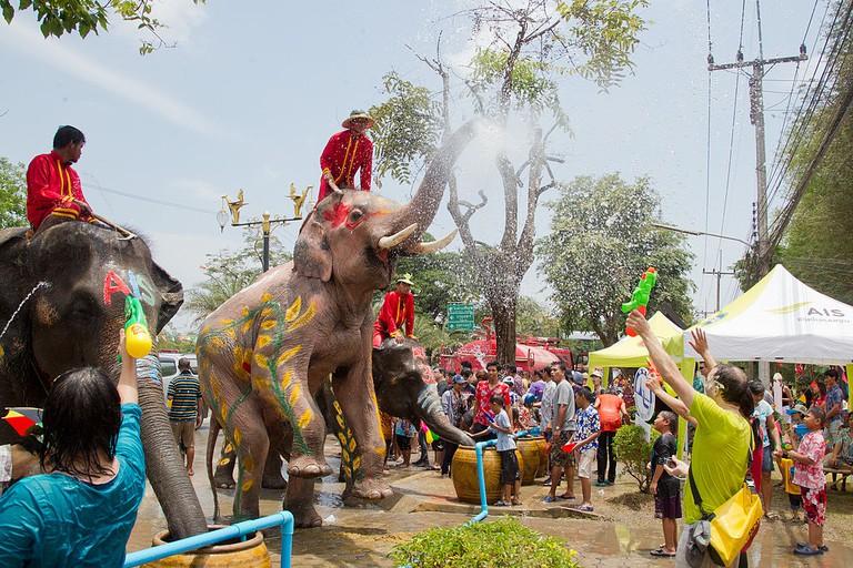 Songkran | © JJ Harrison/WikimediaCommons